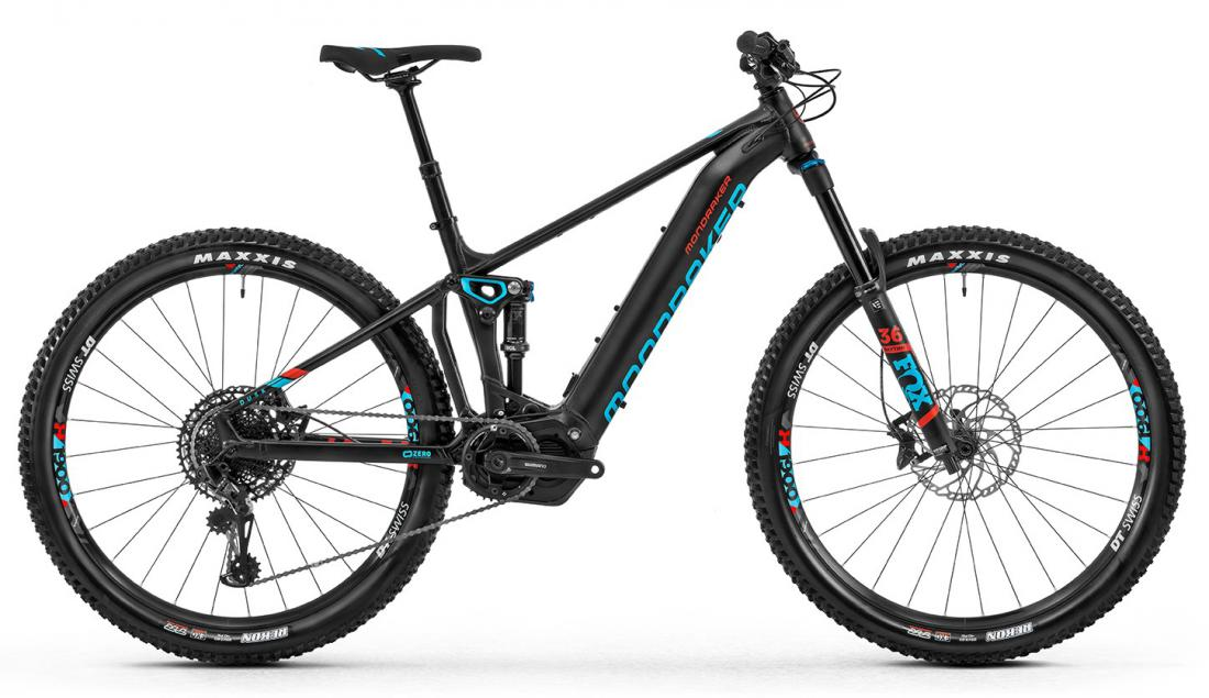Dusk RR 29, black/light blue/flame red, 2020